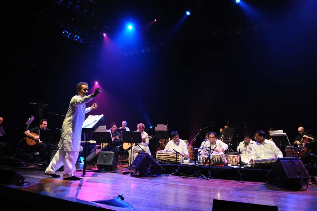 Nijat Ali conducts the Sachai Studios Orchestra at London's Queen Elizabeth Hall, April 2012