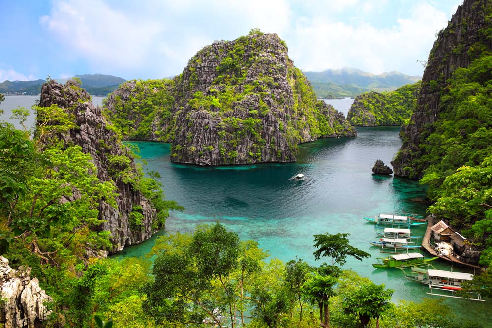Explore the 'best island on Earth' Philippines