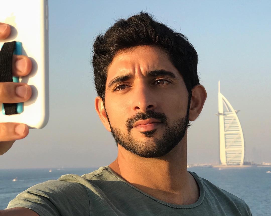 Dubain kohusheikki Mohammed syyllinen tyttäriensä kaappaukseen vuonna 2000 – brittipoliisi avaa vanhan tutkinnan