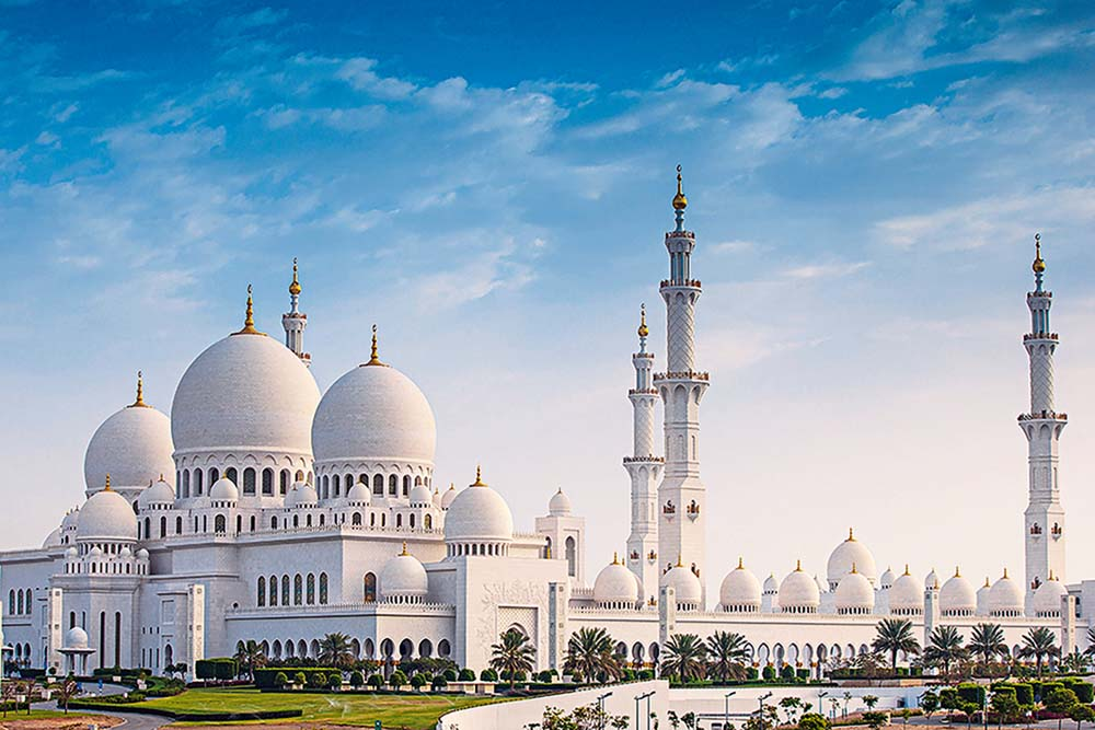 This is why Sheikh Zayed Grand Mosque was named the best landmark in the world - Esquire Middle East