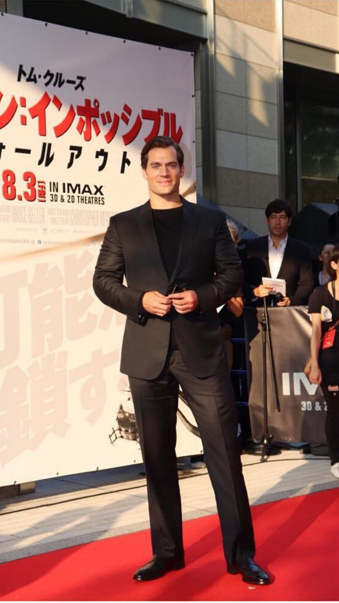 celebrity style, fashion, menswear, henry cavill, the witcher, superman, dc, esquire, 2020