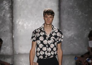How to wear summer florals