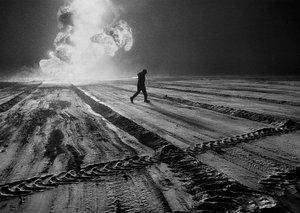 A desert on fire - harrowing images of Kuwait's burning oil fields