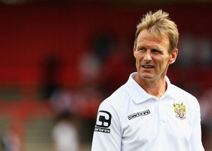 Teddy Sheringham on baby-sitting Gazza, prima donna footballers and that goal