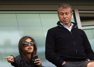 Billionaire Roman Abramovich to split from socialite wife
