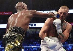 Mayweather beats McGregor