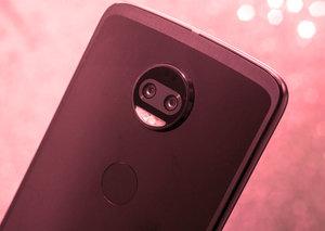 Motorola Z2 Force + Moto Mods | Tech Talk