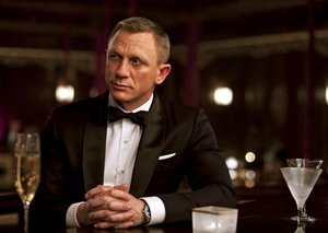 This Oscar-winning director is tied to next Bond