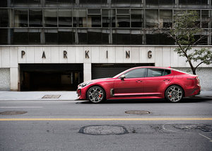 Kia Stinger enters the sports saloon sector