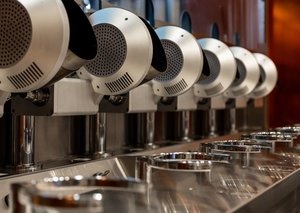 This restaurant in the US has replaced chefs with robots