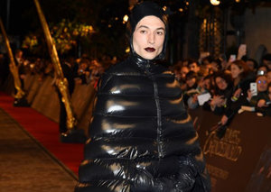 Ezra Miller dressed as a spooky ghost for the Fantastic Beasts premiere
