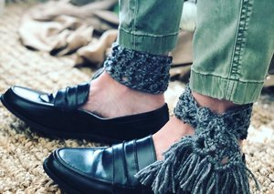 Ankle scarves – a new Middle East menswear trend?