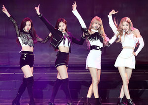 What is BLACKPINK and why is it breaking YouTube records?