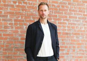 Alexander Skarsgård rocks the perfect summer blazer