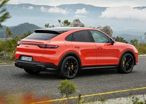 2020 Porsche Cayenne Coupe will be a hybrid