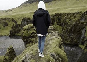 Justin Bieber fans close down a canyon in Iceland