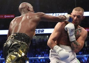 Conor McGregor and Floyd Mayweather to have a rematch?!