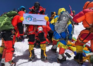 This is the first Arab woman to scale Mount Everest