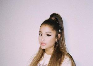 Ariana Grande wins big at Fragrance Foundation Awards