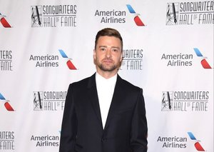 Justin Timberlake does smart-casual right