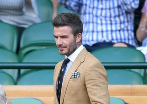 David Beckham just schooled us on dressing (again)