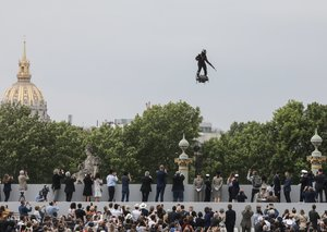 Inventor will cross English channel on flying hoverboard