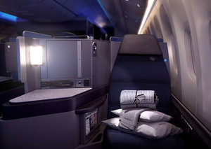 United Airlines introduces new business class seats
