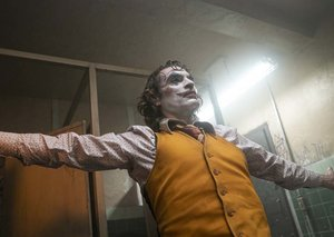 The new new Joker images show his gradual descent to madness