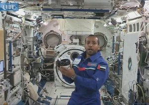 Astronaut Al Mansouri shows us space robots aboard the ISS