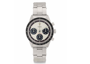 Woman finds a $250,000 vintage Rolex Daytona wedged in her old sofa