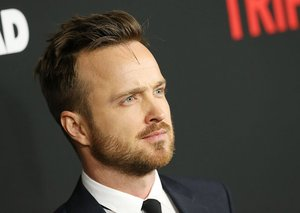 Aaron Paul hilariously sums-up Breaking Bad in 2 minutes