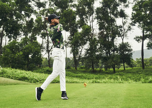 Stephen Curry's debut golf collection with Under Armour to launch this November