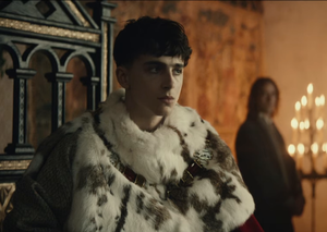 """New Trailer: Timothée Chalamet and Robert Pattinson are """"kings"""" in new Netfllix movie"""