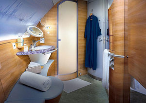 Emirates UK removes shower attendants on its first-class flights