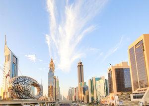 Sheikh Hamdan leads 70,000 on Dubai's first ever Sheikh Zayed road run