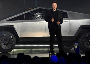 Elon Musk's net worth dropped by $770 million in one day