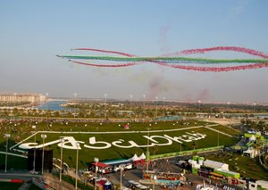 PHOTOS: Etihad Airways and Fursan Al Emarat wow crowds at Abu Dhabi GP