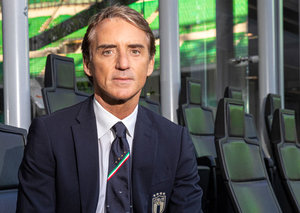 Richard Mille made a new special edition RM11-04 for Italian football manager Roberto Mancini