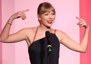Taylor Swift continues feud with Scooter Braun while accepting Billboard's Woman of the Decade award