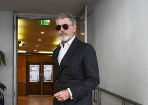 James Bond would not approve of Pierce Brosnan's suit