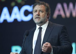 Russell Crowe skipped the Golden Globes because of the Australian bushfires