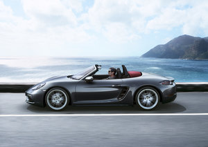 Is Porsche's 718 Boxster the ultimate urban fun car?