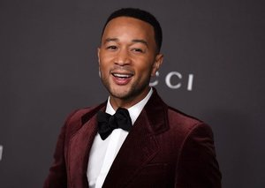 John legend is closing out this year's Dubai Shopping Festival