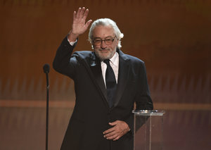 "Robert De Niro talks ""abuse of power"" by politicians during SAG speech"