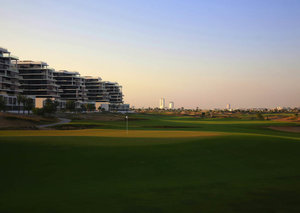 Why a golf course is the only way to live in Dubai