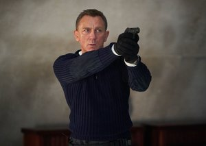 "James Bond is not cursed says ""pis*ed off"" Daniel Craig"