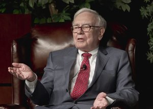 Billionaire Warren Buffett says he hasn't had a haircut or worn a tie in 7 weeks