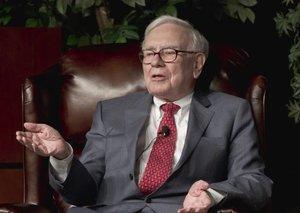 Billionaire Warren Buffett says he hasn't had a haircut or worn a tie in 7 weeks