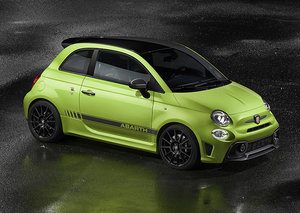 Abarth 595 Competizione is a hot hatchback for the next generation