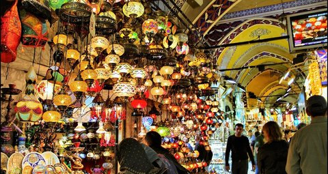 Turkey's cafes, restaurants and Grand Bazaar re-open